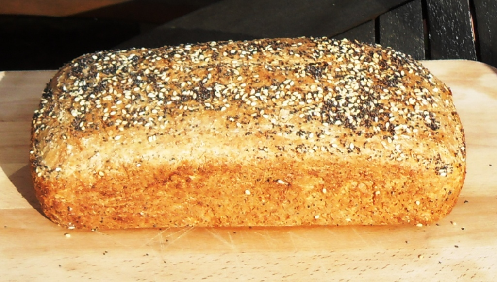 Spelt and Wholemeal No-knead Loaf with poppy and sesame seeds