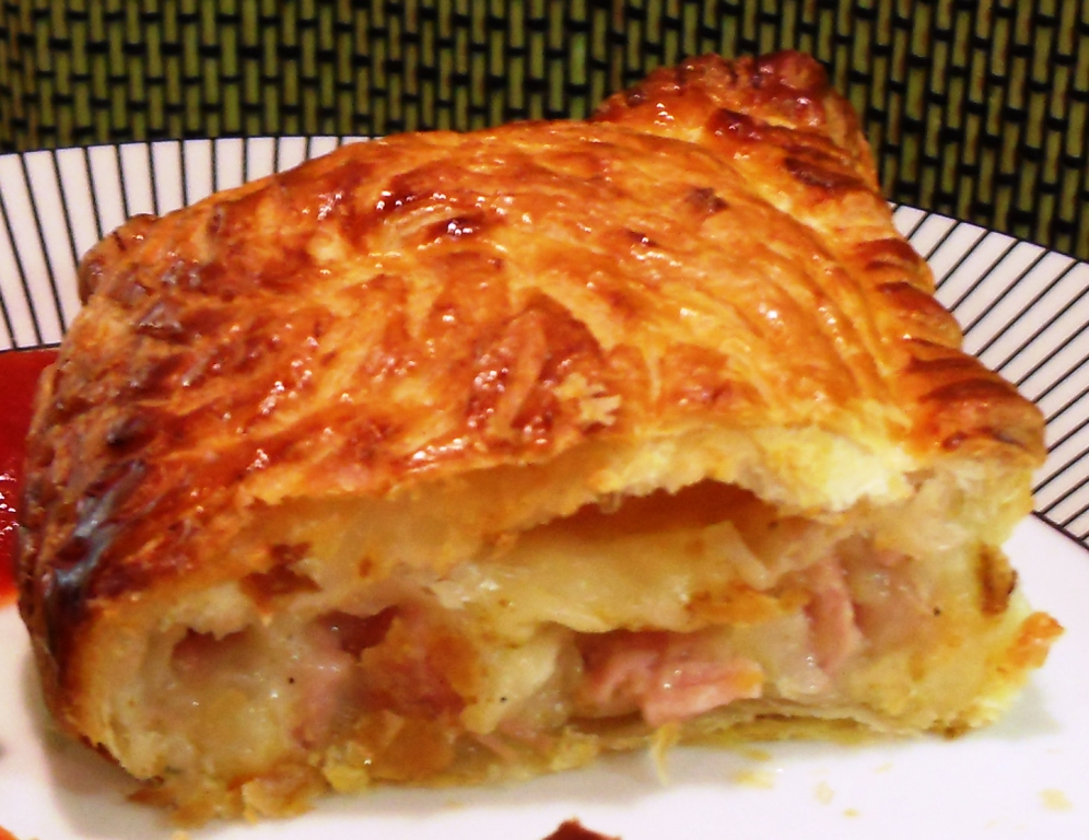 puff pastry ham and cheese puff pastry pie ham cheese pastry thingies ...