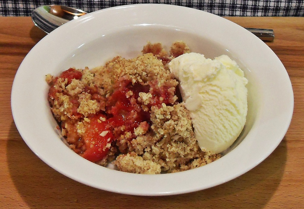 Plum Crumble with cinnamon, comfort food, school dinners