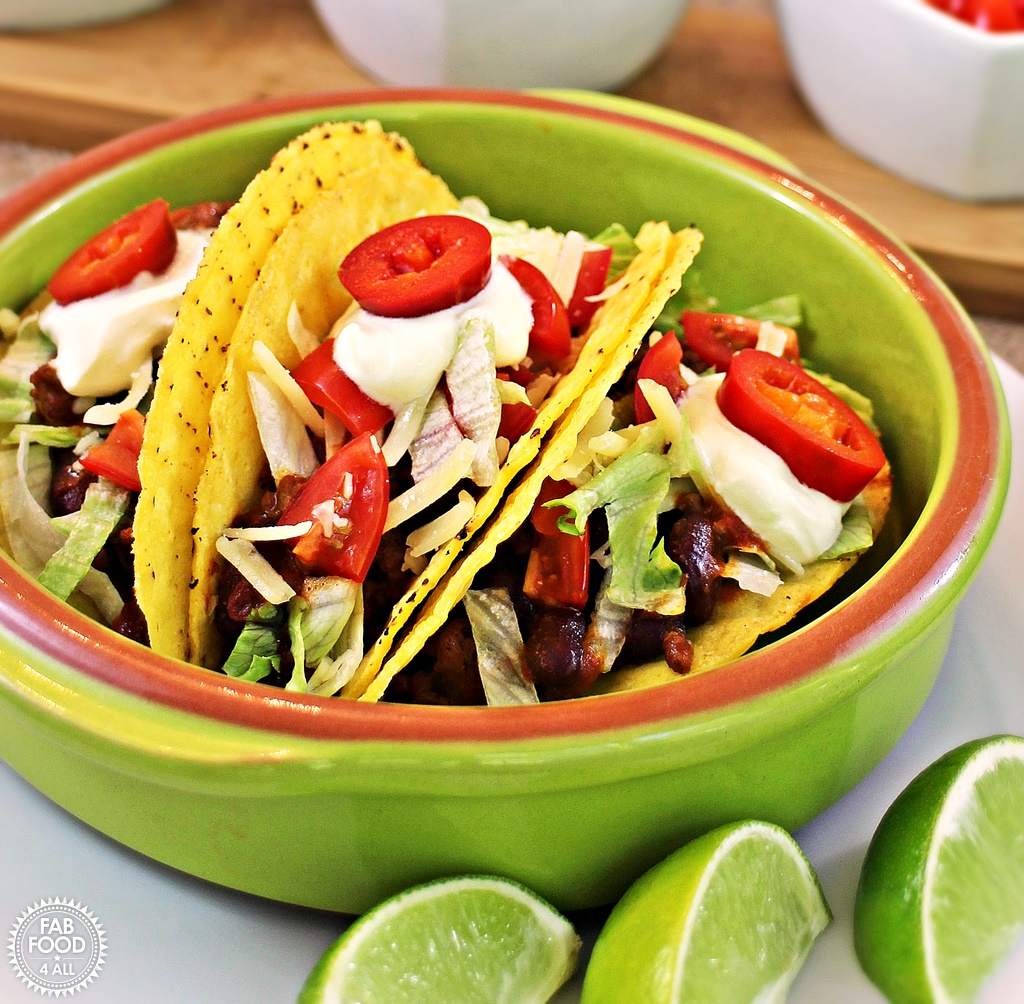Chilli con Carne Tacos – a quick & tasty family meal!