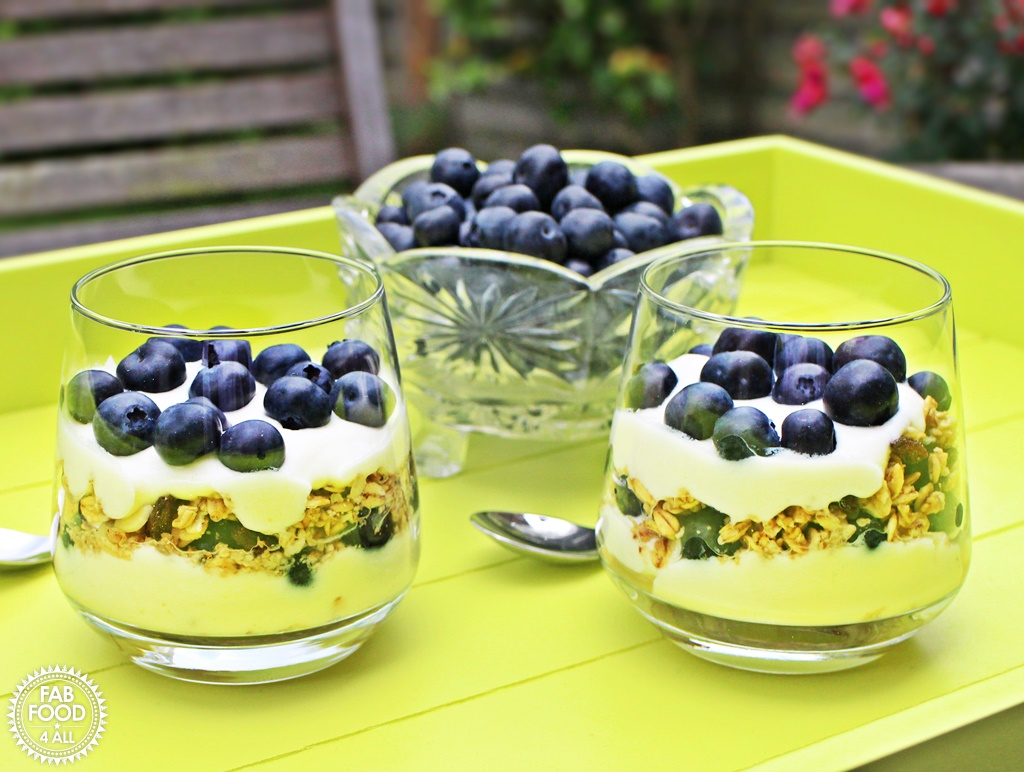 Blueberry Breakfast Parfait with Greek Yogurt & Lemon Curd @FabFood4All