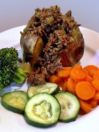 Minced Beef & Onions - traditional British comfort food. So simple yet so delicious!