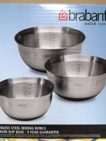 Review: Brabantia 3 Stainless Steel Mixing Bowls with Non Slip Base + Giveaway – Closed