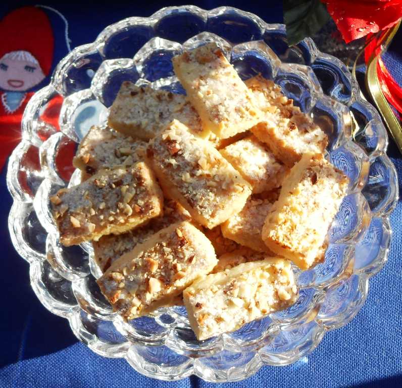 Finsk Brød (Finnish Shortbread) - almond butter cookies! Fab Food 4 All