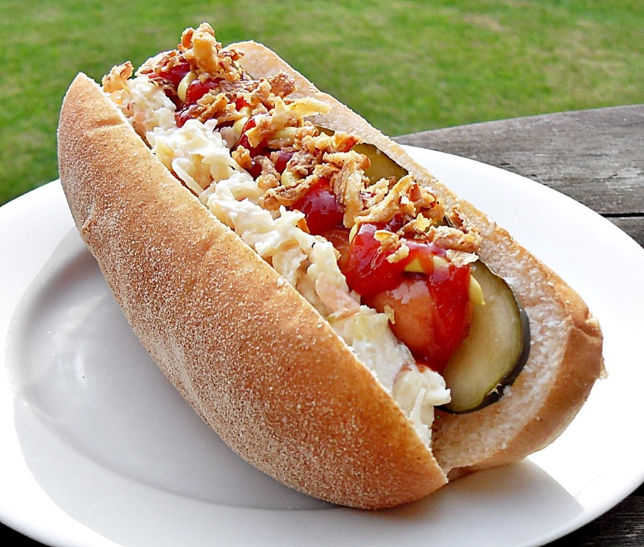 German Frankfurter Vs Hot Dog