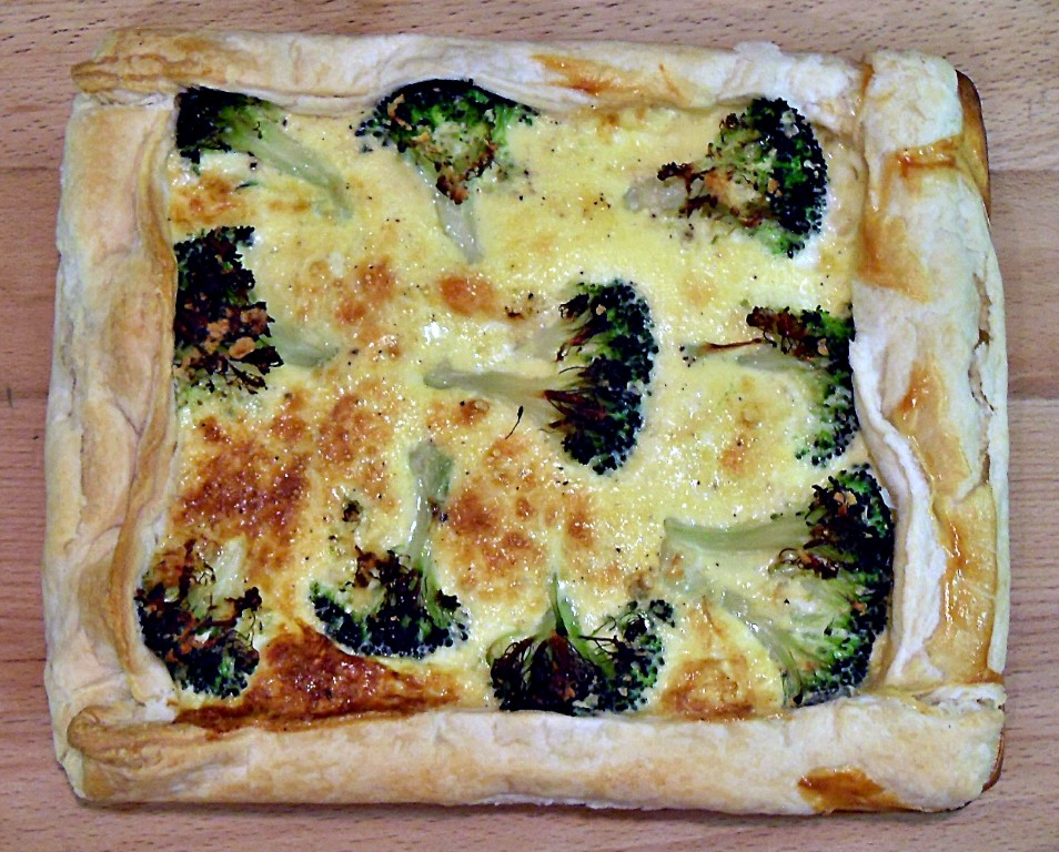 Broccoli & Tomato Quiche with puff pastry - Fab Food 4 All