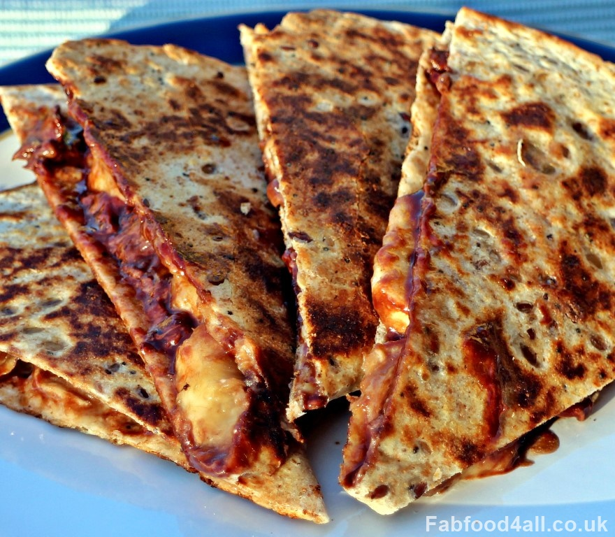 Banana & Chocolate Quesadilla, Nutella, chocolate spread, snack, dessert, breakfast, pudding, treat, kids, vegetarian, easy, quick