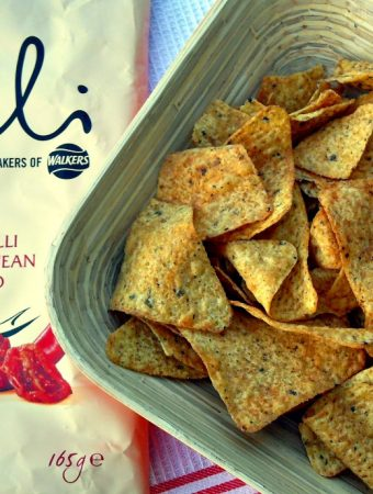 Market Deli Roasted Red Chilli with Mediterranean Sundried Tomato from Walkers, snacks, crisps, nibbles, adult