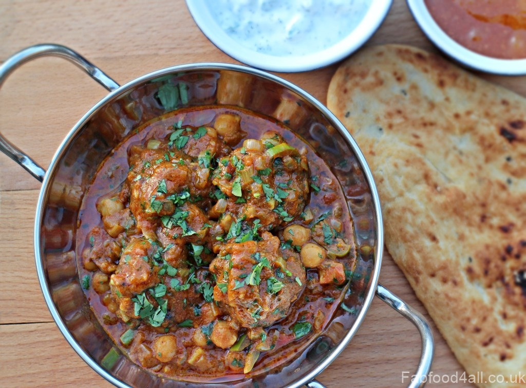 Mutton Kofta Curry with Chickpeas with naan & mint raita.