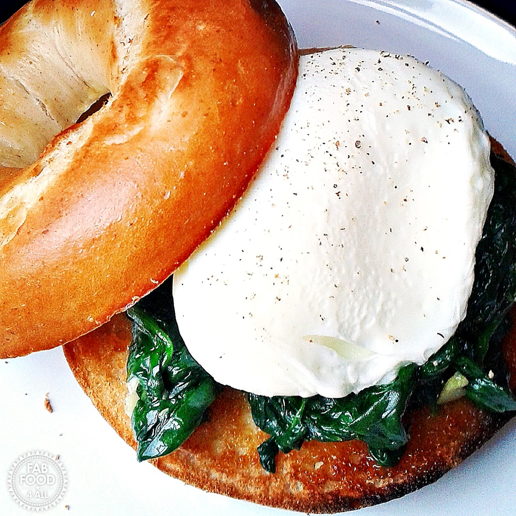 Quick Poached Egg & Garlic Spinach Bagel, a healthy & delicious brunch! Fab Food 4 All