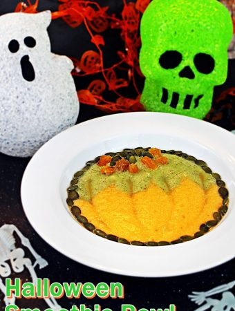 Halloween Smoothie Bowl – fun pumpkin design!