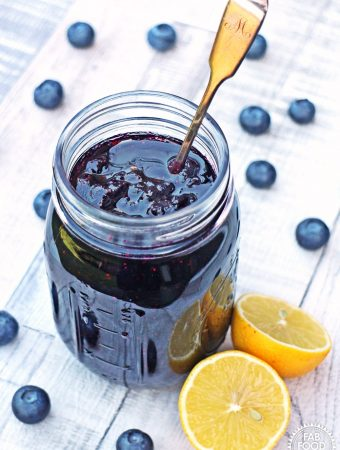 Simple Blueberry Jam - no pectin, ,just 3 ingredients! #blueberry #jam #conserve #preserve #jamrecipes #blueberryrecipes #nopectin #nojamsugar