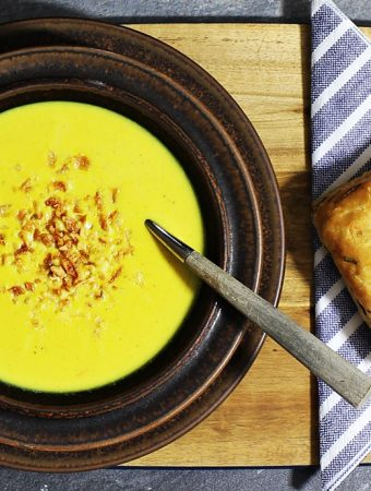 Quick Curried Cauliflower Soup – vegetarian yumminess!